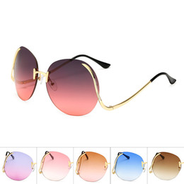 Chinese  Fashion Frameless Metal Sun Glasses Candy Color Women Ladies Sunglasses For Outdoor Travel Beach Decor Modern Style Eyeglasses New 12 18am Z manufacturers
