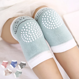 Infant knee pad online shopping - 5 colors Toddlers kneepads baby anti slip Knee pads infant crawling safty protection props knitting kneepads Mats C4433