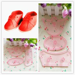 Discount designer shoes baby Baby Shoe Shape Plastic Fondant Mold Baking Tools for DIY Cake Sugar Craft Cake Decorating
