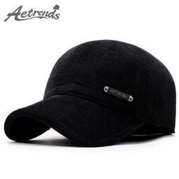 AETRENDS  2017 nueva gorra de béisbol de invierno Los hombres mantienen  cálidos sombreros con solapa de oreja Hombre Gorros de invierno Papá  Sombrero Z- ... f9500dc8782