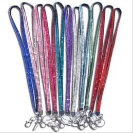 Lanyard en cristal de dragonne de couleurs de strass de cou avec le clip en métal Lanyard de diamant de couleur multi pour la carte d'identification de téléphone portable