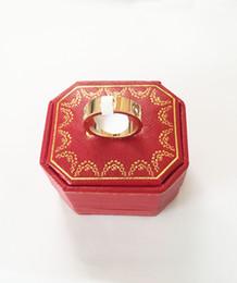 Marca de moda de aço de Titânio rosa anel de amor de ouro anel de amante de prata chave de fenda de casamento jóias presente de aniversário Para As Mulheres homens anéis em Promoção
