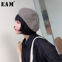 ddb53a4647fa7  EAM  2018 New Autumn Winter Korean Style Retro Black Plaid Casual Round  Dome All-match Berets Women Hat Fashion Tide JG690