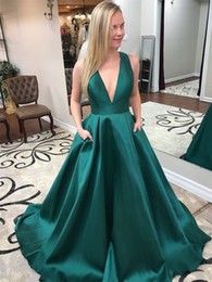 $enCountryForm.capitalKeyWord NZ - Graceful Green Satin Long Evening Dress With Bow Deep V Neck Puffy Princess Prom Gowns 2018 Cheap Dress