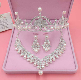 bridal crown tiara necklace earrings set Canada - 4 Styles Fashion Crystal Wedding Bridal Jewelry Sets Tiara Crown Earring Necklace Bride Women Pageant Prom Jewelry Set Hair Ornaments