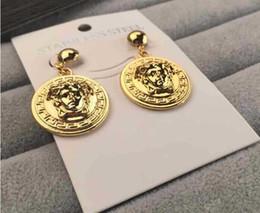 Nouvelle marque de luxe Designer Stud boucles d'oreilles lettres oreille Stud boucles d'oreilles bijoux accessoires pour femmes cadeau de mariage livraison gratuite 698 en Solde
