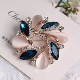 Wholesale Crystal Flower Brooch Pins Wedding Party Invitation Bijoux Brooches Fashion Jewelry Gift For Women M8694