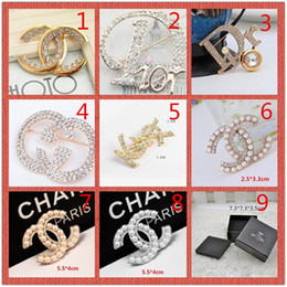ball box plastic 2018 - wholesale!14K Brand Designer Pearl Brooch letter corsage collar needle Diamond Wedding Party Fashion Jewelry Gift Scarf