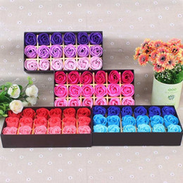 $enCountryForm.capitalKeyWord Canada - Artificial Rose Flowers Soap Gift Boxes For Valentine Day Bouquet 18pcs Set Romantic Lover Couple Wedding Decoration 6 5mw BZ