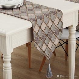 Vente en gros EONSHINE Luxe Moderne Style Motif Géométrique Décoration Set de Table Chemin de Table avec des Glands pour Table de Cuisine Thé Thé, Set de 1