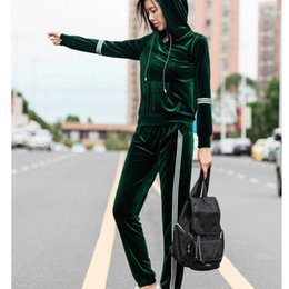 velvet leisure suit new UK - Velvet tracksuit suit women's new large size long sleeve velvet suits female fashion leisure plus size 2 piece sets 4xl