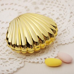 Earth Solid Canada - New Shell Shaped Box Wedding Party Favor Boxes Plastic Solid Gold Sliver Color Candy Package Gift Boxes 2018 New Hot Selling
