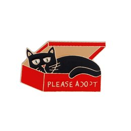 Small cartoon couple online shopping - Cartoon Ornament Brooch Alloy Material Brooch Ornament Many Shapes Cute Animal Shape Brooch Couple Small Gift