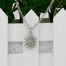 snowflakes pendant NZ - New Hot Sale Ancient Silver Snowflake Charm Pendant 45cm Choker Necklaces Fashion Creativity Women Men Jewelry Accessories Holiday Gifts