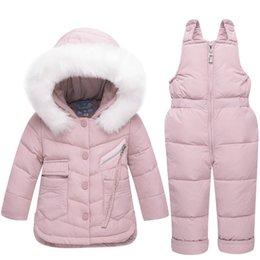 b2cee51f6 2018 ropa de invierno para niños conjunto bebé niña mono chaqueta abajo  para niños ropa de abrigo espesar esquí nieve traje