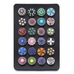 $enCountryForm.capitalKeyWord NZ - New Snap Jewelry 18MM Snap Button Display 10 Colors Black Leather Snap Display for 24 PCS Jewelry Display Holder Wholesale Stands