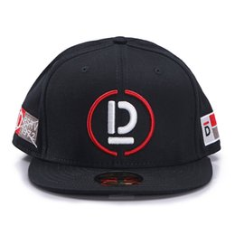 387eaa1e390 Justdon D9 CAPTAIN D Embroidery Letter Sun Hats Adjustable Snapback Hiphop  Rapper Style Men Women Solid Flat Bill High Quality BaseBall Caps