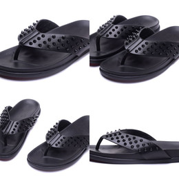 Discount sandals slipper designing - Mens Black Leather With Spikes Beach Slippers Causal Shoes Brand Design Red Bottom Sandals Summer Flip Flop Shoes 39-47