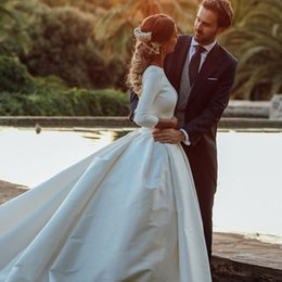 simple sexy chic wedding dresses Canada - Chic Boho Country Wedding Dresses Jewel Neck 3 4 Long Sleeve Backless Covered Button Bridal Dress Glamorous Ball Gown Long Wedding Dress