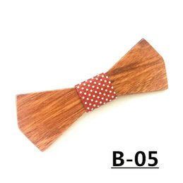 christmas bowties UK - christmas New Arrivel Mens Wooden Bow Tie gravata Hollow Design Bowties Hardwood Wood Bow Tie For Men Wedding kraagje bolo tie