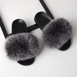 Venta al por mayor de Bravalucia Fahion Real Fox Hair Otoño / Invierno Zapatillas Mujer Piel Casa Zapatillas Mullidas Sliders Zapatillas de casa de felpa Modis