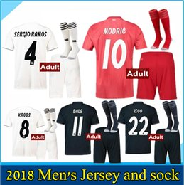 MEN Kits + Socks 18 19 Real Madrid Ronaldo Soccer Jersey home Away men 2018  2019 Campeones Bale uniforms SERGIO RAMOS ISCO Football Shirts c19d2a357