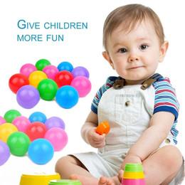 Piscina multicolore della palla del giocattolo di 100pcs non tossico per i bambini giocano la palla di nuotata variopinta dell'acqua della palla dell'oceano della palla di divertimento durevole variopinta PE