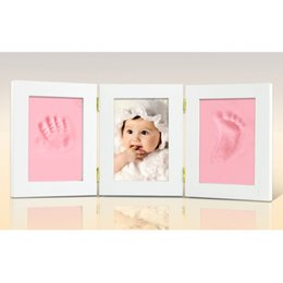$enCountryForm.capitalKeyWord UK - Picture Frames Solid Wood Three Fold Photo Frame Baby Souvenirs Footprints Handprint Infant Hundred Days Gift 25 5xy gg