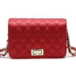over shoulder sling bag UK - Women Bag Female Handbags Leather Over Shoulder Bag Crossbody Quilted Chain Diamond Red Small Flap Lock Fashion Sling Lady Bags Y18102403