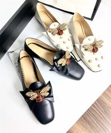 Two Black Shoes Canada - European station diamond bowtie pearl crystal brooch flat two wear lazy shoes women leather square heel casual single shoes