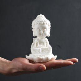 Neue Keramik Handgemachte Schöne Buddhistische Mönche Buddha Figur Charme KWAN-YIN Autoinnenverzierungen Auto Zubehör Weiß