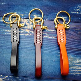 pure key NZ - Creative Hand-Woven Tanned Cowhide Brass Retro Key Ring Handcraft High Quality Pure Copper Horseshoe Buckle Support FBA Drop Shipping H29F
