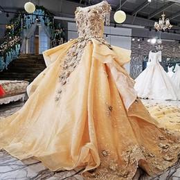 $enCountryForm.capitalKeyWord NZ - 2019 Royal Golden Evening Dresses 3D Flower Beading O-Neck Short Sleeves Ball Gown New Arrival Party Dress Real Photo Dresses Evening Wear
