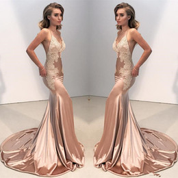 Spaghetti Strap Fitted Prom Dresses NZ - Sexy V Neck Backless Lace Fitted Prom Dress 2018 Mermaid Spaghetti Straps Arabic Long Evening Gowns Appliques