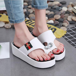 f46521ad2d3d6 Best selling new summer fashion slippers