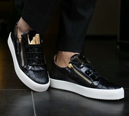 Metal Sneakers Australia - Luxury men casual shoes mens trainers brand new women sneakers with Metal decoration rivet Patent leather Double zipper high top fa3
