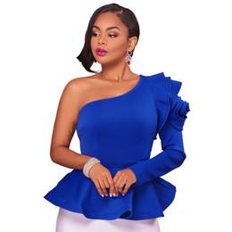 efb9bc57a Ruffles Un hombro Blusa de la manera Camisas 2017 Otoño Elegante Negro Azul de  manga larga Peplum Blusas Slim Blusas Sexy Mujeres Tops