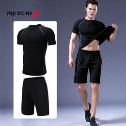Ingrosso 2 pezzi / set uomini tuta sportiva di compressione della biancheria intima da corsa all'aperto da jogging vestiti pantaloni maglietta palestra fitness allenamento calzamaglia costume