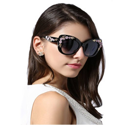 Discount sunglasses flower design - 2018 Luxury Queen Cat Eye Sunglasses for Women Rose Flower Vintage Girls Oculos De Sol Oversize Brand Design Women Sun g