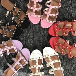 Flat slippers For ladies online shopping - Open toes Summer women slippers rivets flat sandals Casual Beach slippers fashion Designer sandals for lady