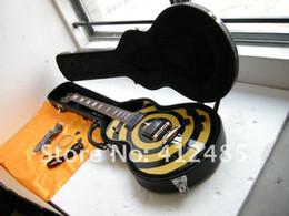 Envío gratuito LP ZAKK EMG pickup Guitarras al por mayor guitarras en stock Zakk Wylde guitarra eléctrica Negro amarillo con estuche en venta