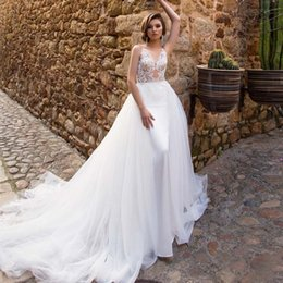 58f639fb3c Elegante blanco   marfil sirena vestidos de novia desmontable tren de encaje  apliques Satin Castle vestido de boda de tul capilla vestido de novia