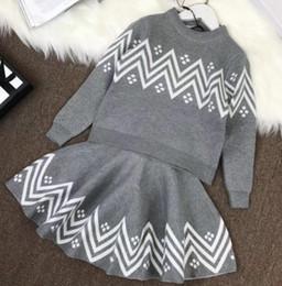 24ac347b0 2018 marca kid Solid Baby Knitted Girls Sweaters Conjuntos Niñas Pullover  forma ondulada Suéteres + vestido de Primavera Invierno Ropa de Niños
