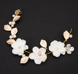 $enCountryForm.capitalKeyWord Australia - Classic bridal head with handmade head wedding wedding dress with flower leaf ornaments.