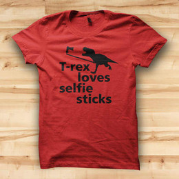 $enCountryForm.capitalKeyWord Australia - Awesome Shirt Designs Crew Neck Men Short Design T-Rex Loves Selfie Sticks T Shirts