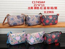 a0ae66e89c81 small Size Fashion women lady designer co ch Chain bag Ladies luxury High  Quality Handbag Fashion designer purse Shoulder Messenger bags