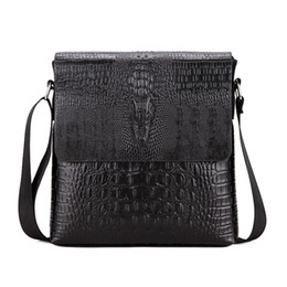 China Crocodile Pattern Men Bag Business Men Messenger Bags Vintage Crossbody Bag Pu Leather Male Shoulder Bags Man Handbag WBS420 supplier male handbags suppliers
