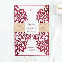 Lace invitation card designs online shopping - 50 Set Design Fold Flower Lace Pattern Gold Flash Band Invitations Cards With Envelope Wedding Greeting Card Birthday Convites