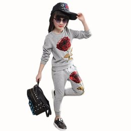3ff37d48c92 девочка одежда Детская одежда наборы Детская одежда дети весна и осень  блестки Роза аппликация с длинным рукавом футболка + брюки 3-7 лет Y1892706