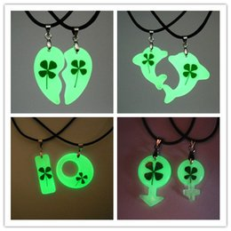 $enCountryForm.capitalKeyWord Australia - Fashion 4 styles Heart Shaped Clover dolphin Charms Luminous Necklace For Women Cute Trendy in Dark Glow Couple Pendants for Valentine's Day